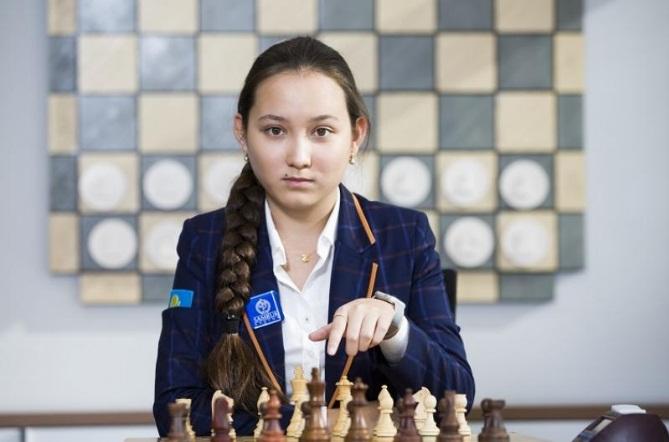 Жансая Абдумалик возглавила мировые рейтинги до 20 лет во всех видах шахмат