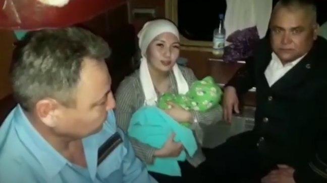 Женщина родила в поезде по пути из Шымкента в Алматы