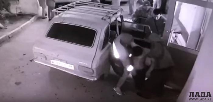 Двоих мужчин расстреляли в Мангистауской области (видео)