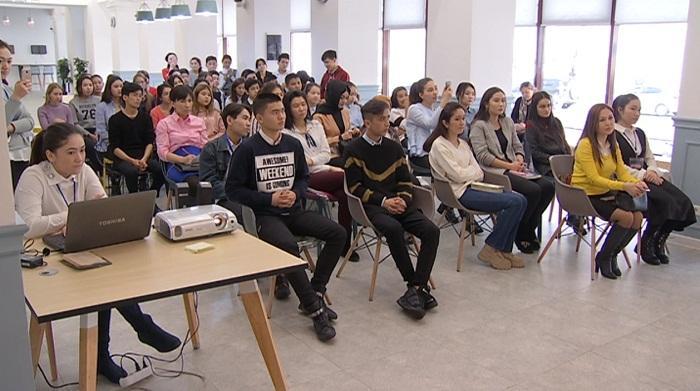 Мотивационный клуб для молодежи открыли в Алматы