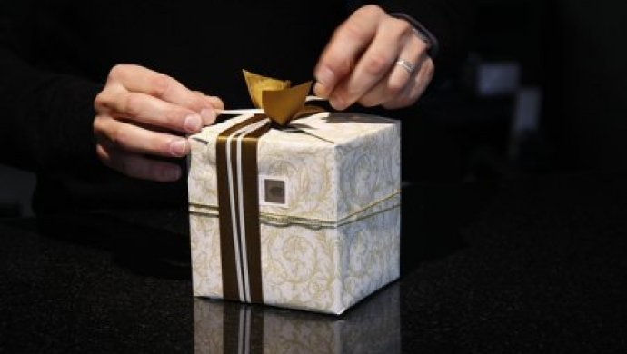 Незаконное дарение 129 подарков чиновникам перед Новым годом предотвратило АДГСПК