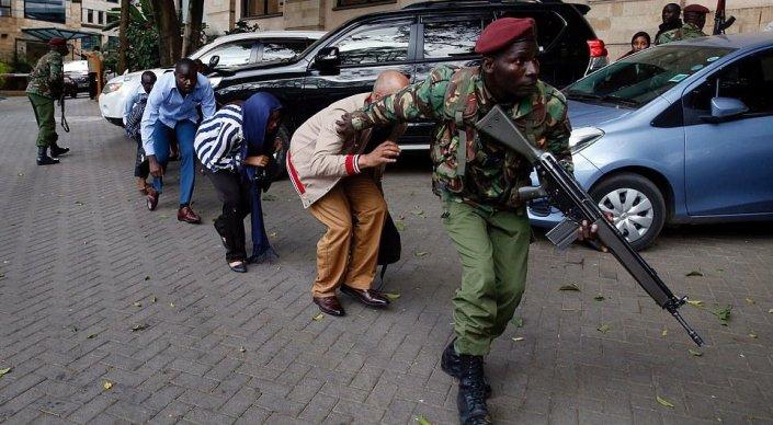 Кенияда лаңкестер қонақүйге шабуыл жасады: 15 адам қаза тапты (ВИДЕО)