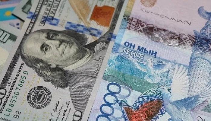 Депозиты в долларах стали реже открывать в Казахстане