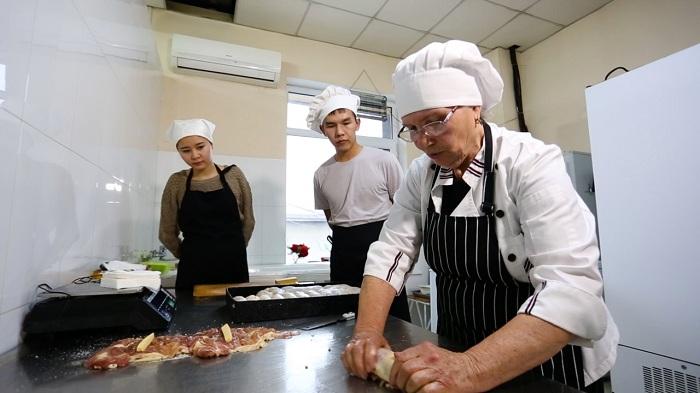 Алматинцев бесплатно обучат новым профессиям