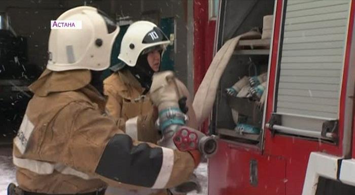 Пожарных Астаны за спасение шестерых человек просят представить к награде