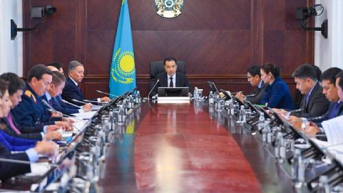 Цены на бензин и критика министров: о чем еще говорилось на заседании  кабмина