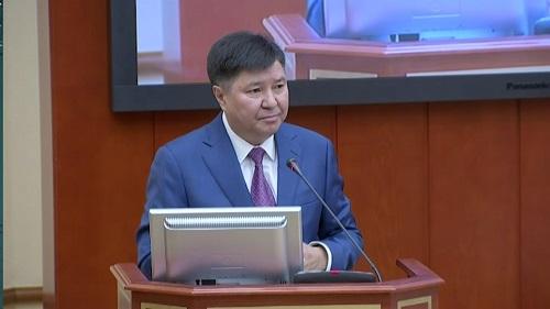 Ограничить срок службы председателей судов призвал Жакип Асанов