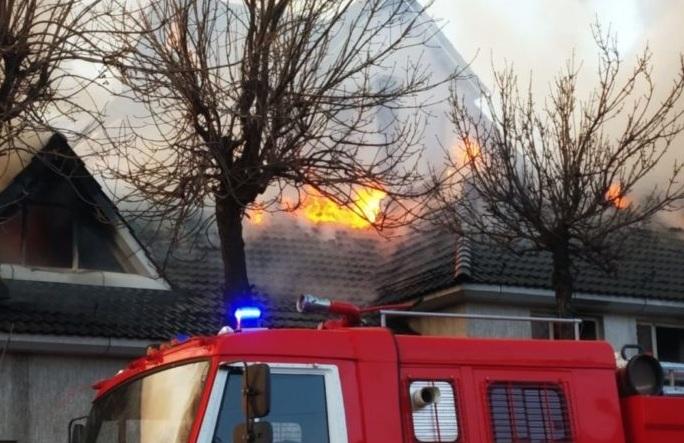 Дом с призраками горел в Шымкенте (видео)