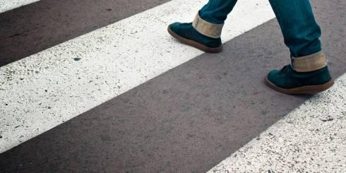 Автоледи сбила пешехода на зебре в Сатпаеве: пострадавшая пролетела 17 метров
