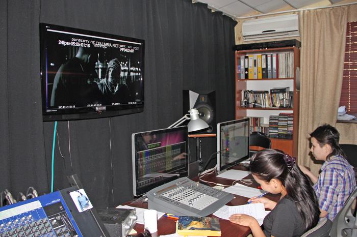 За перевод всех зарубежных фильмов на казахский язык будут платить дистрибьюторы
