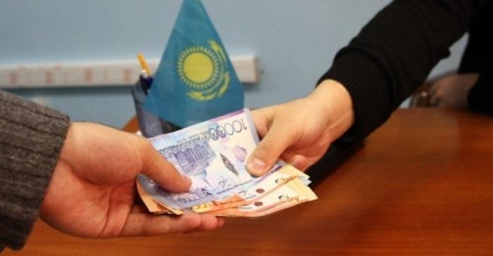 На 5 лет осудили за взятку главу земельного управления Жамбылской области
