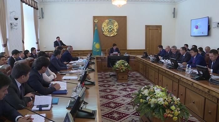 Алматы әкімі «Бес әлеуметтік бастаманың» орындалу барысы туралы айтты