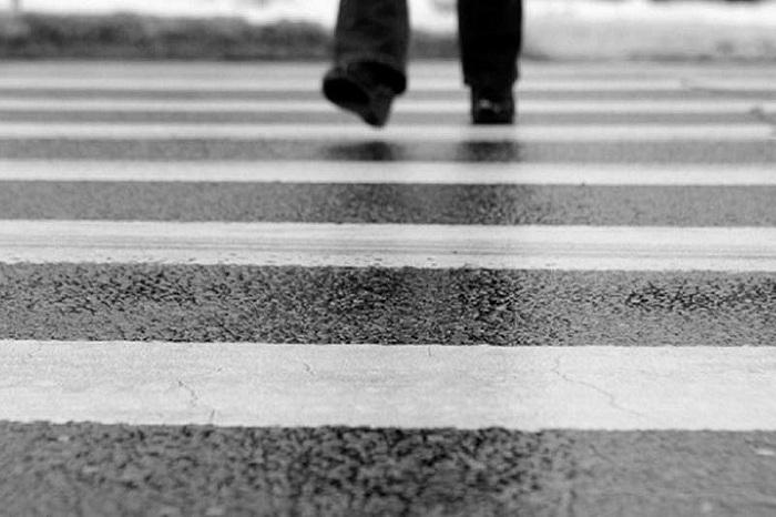 Грузовик и внедорожник поочередно сбили пешехода в Алматинской области