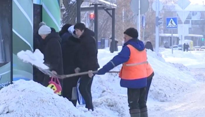 Рекордное количество снега выпало в Западно-Казахстанской области (видео)