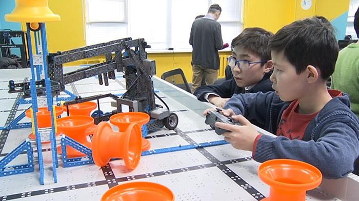 Казахстанские школьники едут в США на конкурс по робототехнике