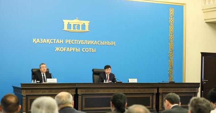 Жакип Асанов потребовал от судей говорить понятным языком