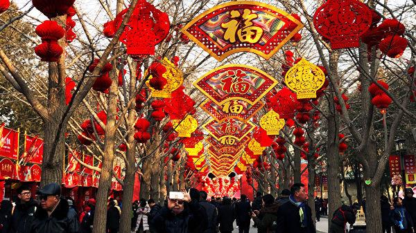 Китайцы за праздники потратили втрое больше, чем киприоты заработали за год