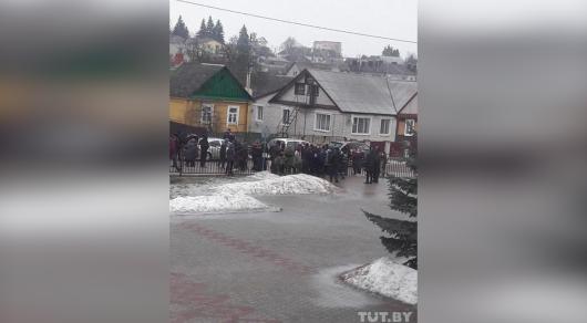 Подросток устроил кровавую бойню в белорусской школе