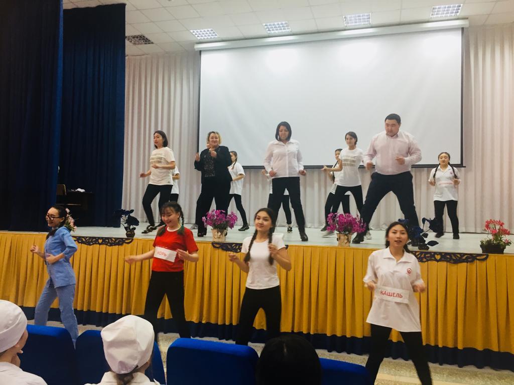 Танцевальный флешмоб «Осторожно, корь!» провели в павлодарском медколледже