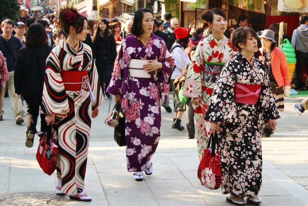 Роспотребнадзор рассказал, почему японцам запрещено иметь талию более 90 см