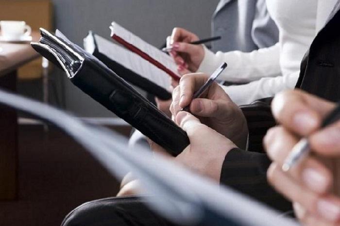 Даурен Абаев готов обсудить с журналистами новые правила аккредитации