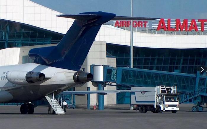 Пистолет пытался пронести на борт самолета пассажир в Алматы