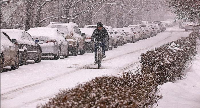 Снегопад и гололед прогнозируют в Алматы