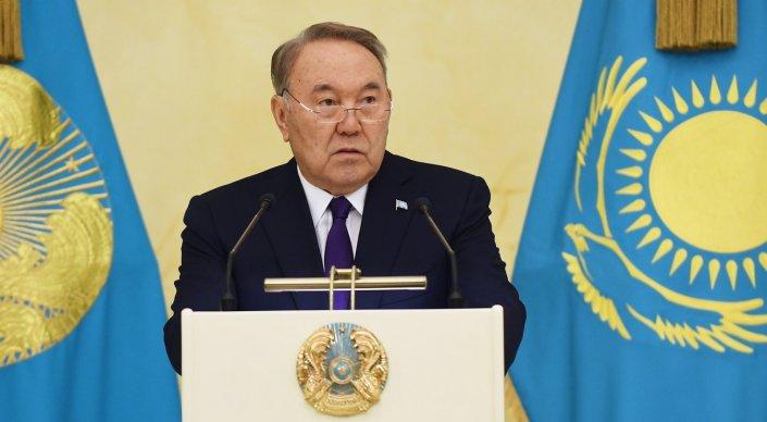 Нурсултан Назарбаев принимает участие в заседании Мажилиса