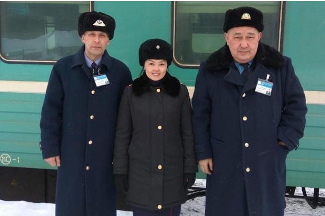 Сотрудница костанайского ДУИС спасла жизнь пассажирке поезда