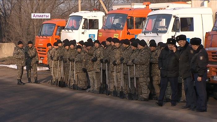 Противопаводковые учения провели службы ЧС и Нацгвардия в Алматы