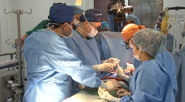 Один из лучших мировых кардиохирургов проводит сложнейшие операции в Алматы