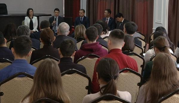 Конкурс для желающих стать антикоррупционерами проводят в Алматы