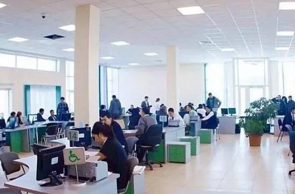 Подробности задержания «помогаек» в ЦОНах Алматы сообщили в полиции