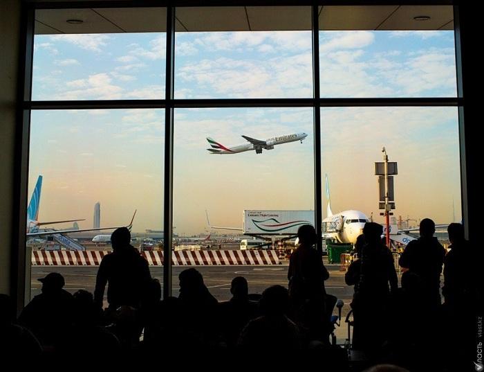 Более 300 казахстанцев не могут вылететь из Дели
