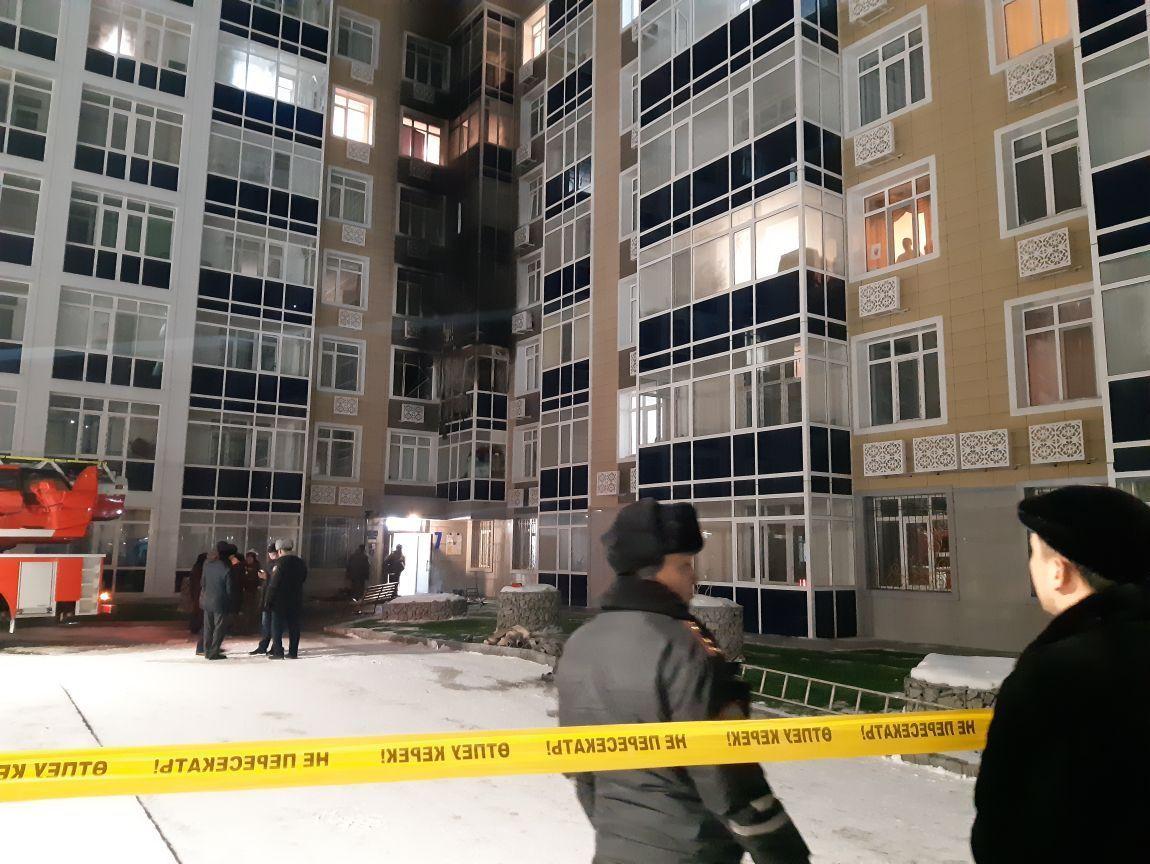 Пожар в жилом комплексе в Астане: пять человек госпитализированы