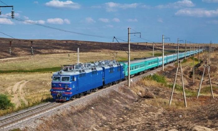 Дополнительные поезда запустят на весенние праздники в Казахстане