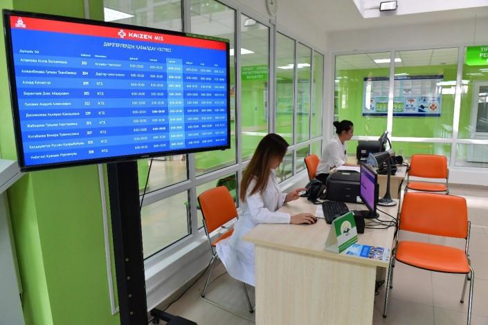 Уменьшилось время ожидания приема в поликлиниках Алматы