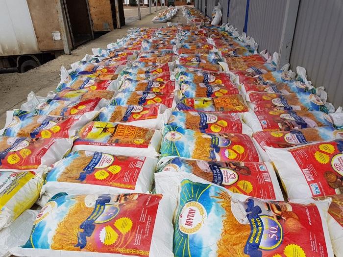 Атыраулық шекарашылар көлікке тиелген ұн ішінен 6 тонна насыбай өнімін тауып алды