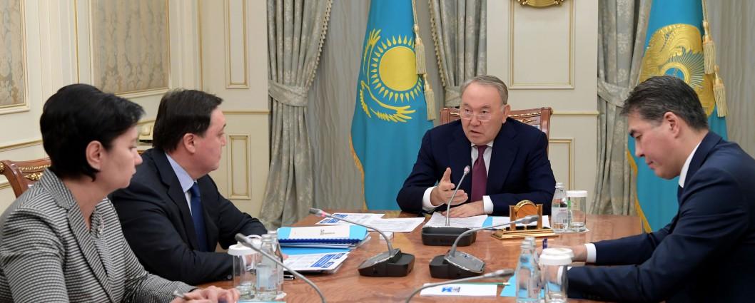 Многодетные семьи должны получать помощь с 1 апреля - Нурсултан Назарбаев