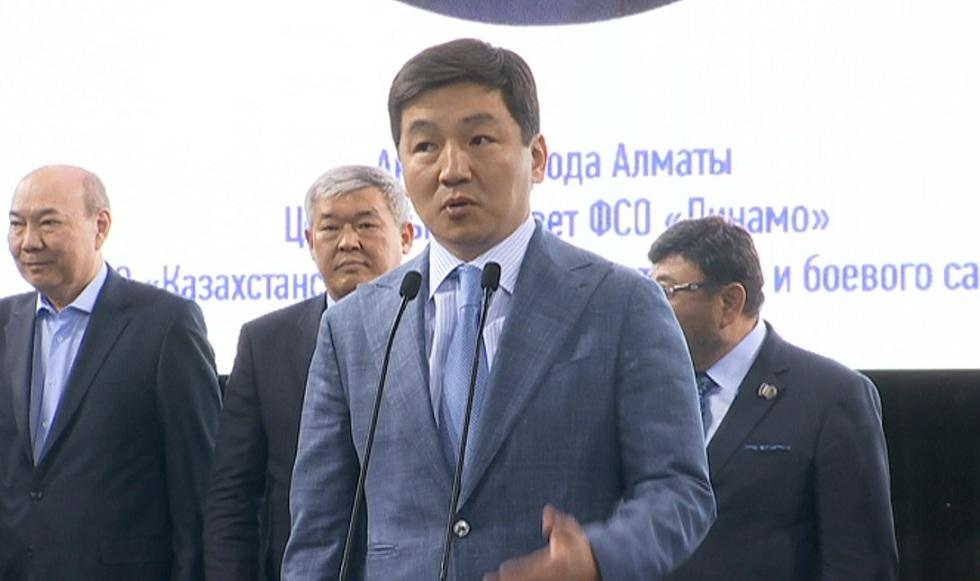 Турнир по самбо в честь юбилея заслуженного тренера Темирхана Досмухамбетова прошел в Алматы