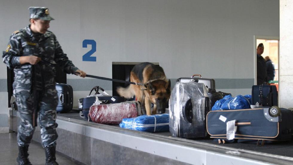 Почти 400 кг бесхозных китайских товаров обнаружили казахстанские пограничники