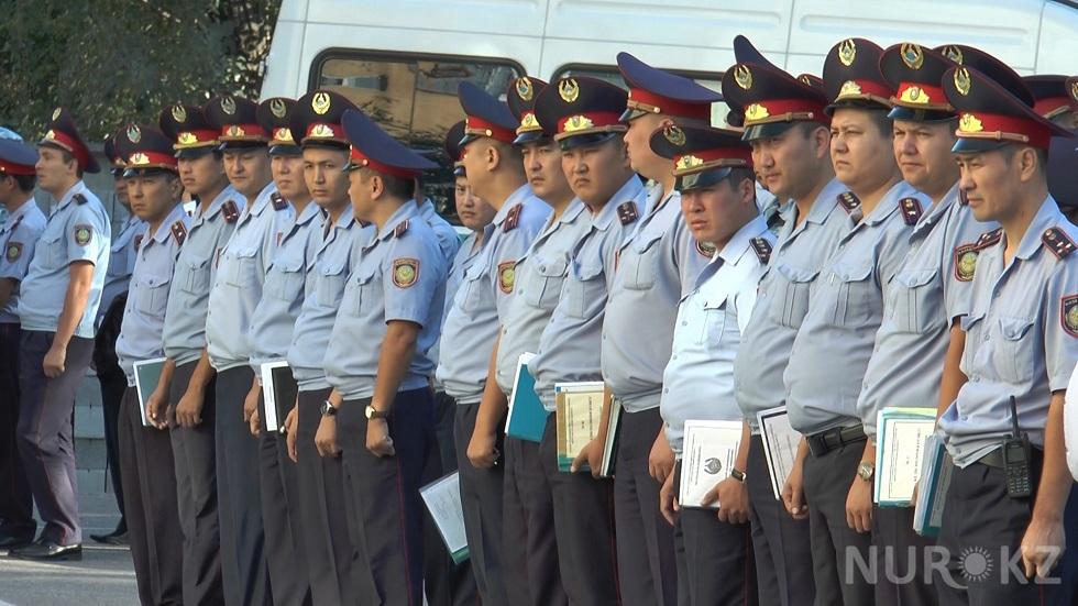 Полицейским в Казахстане повысят зарплату