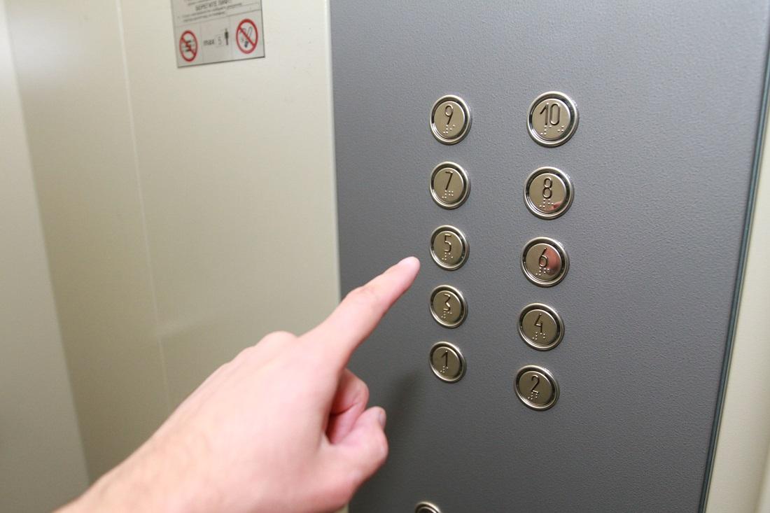 Полторы тысячи устаревших лифтов подлежат замене в Алматы
