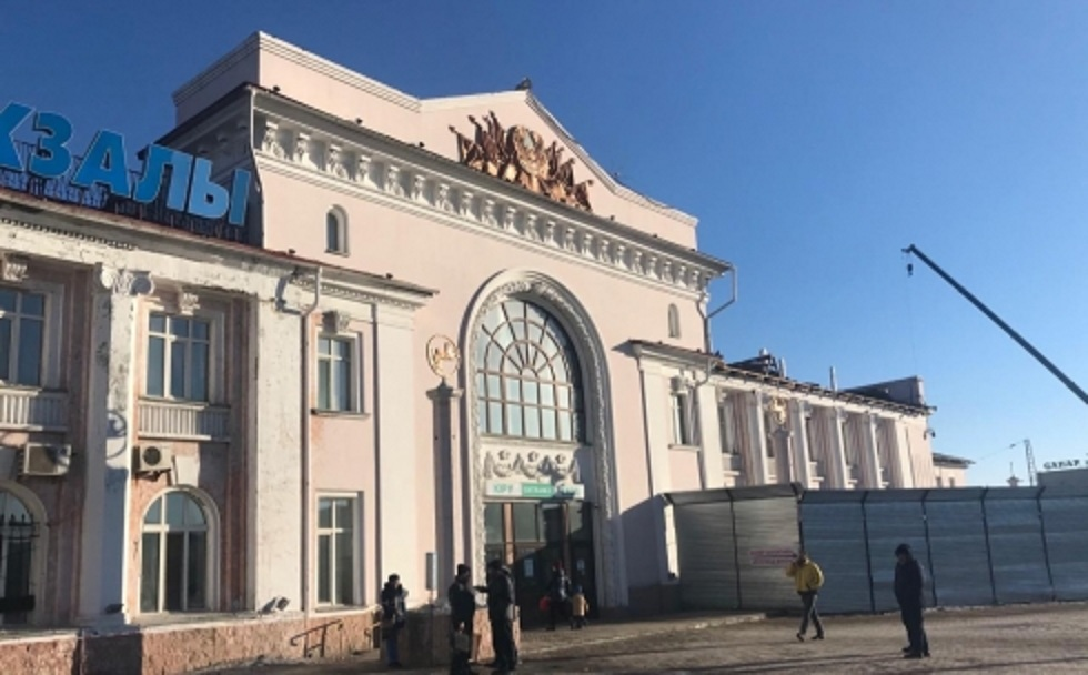 Здание ж/д вокзала в Караганде закроют до осени