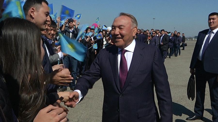 Нурсултан Назарбаев прилетел в Алматы