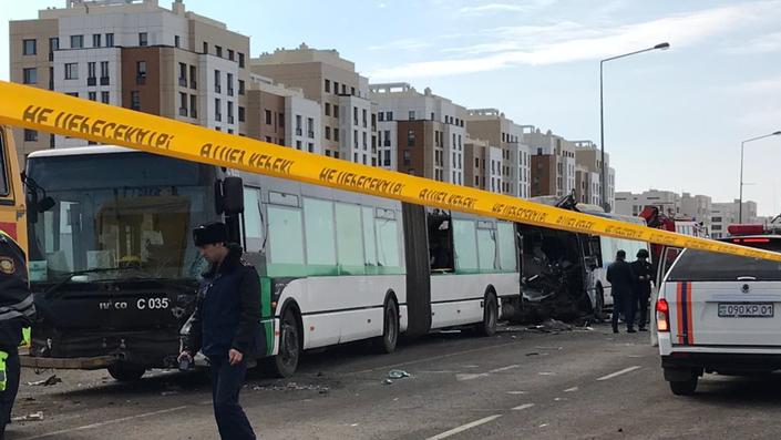 ДТП с автобусами в Нур-Султане: двое погибли, 35 пострадали