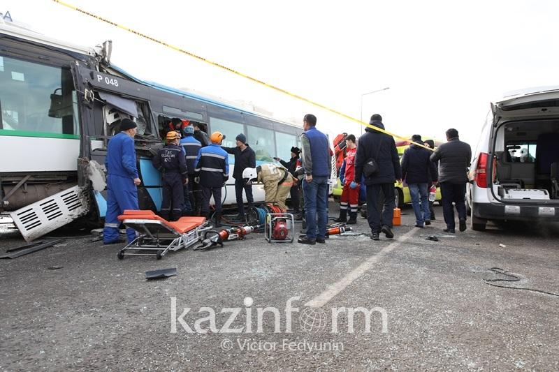 За жизни семерых пострадавших в ДТП с 3 автобусами продолжают бороться врачи