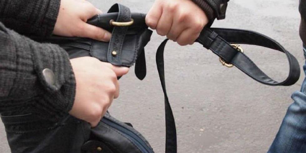 """""""Охотился"""" на женщин: за грабежи осудили жителя Темиртау"""