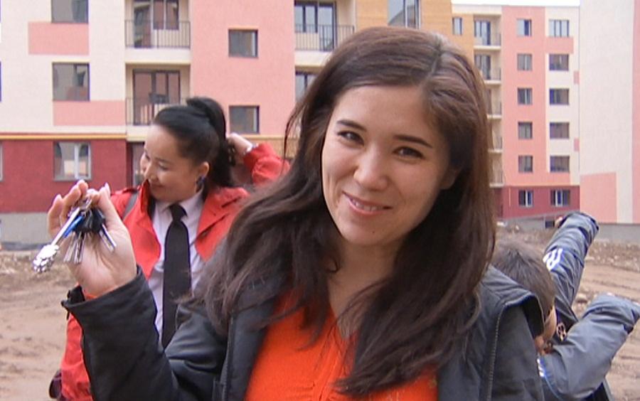 10 многодетных семей Алматы получили жилье в Наурызбайском районе