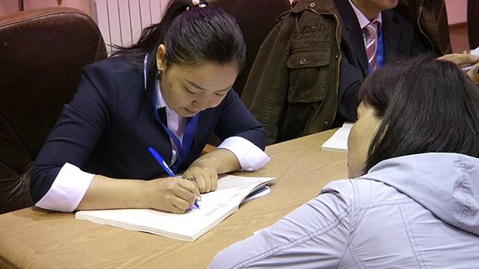 Малообеспеченные и многодетные семьи Алматы начали получать увеличенное соцпособие